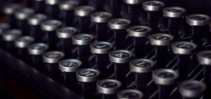 Symbolbild Newsletter-Anmeldung, alte Schreibmaschine